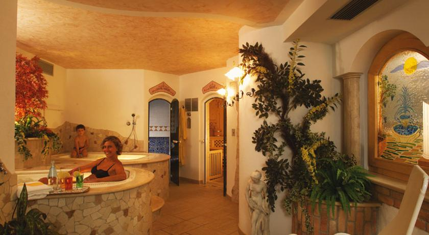 Val di Sole skipass included: Hotel Garden 3*+ HB 5